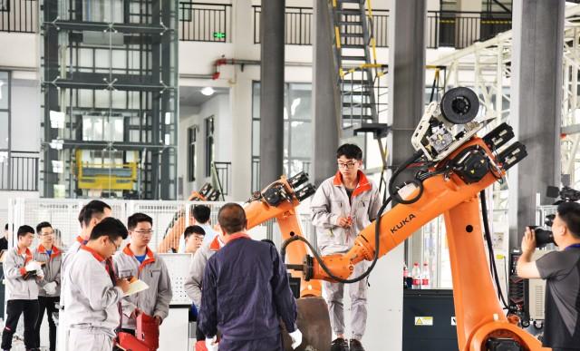 數字化廣泛應用于工業等各領域,助力產業升級.jpeg